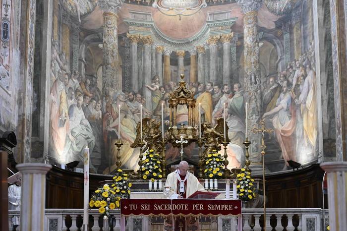 Papa Francesco: condividere proprietà non è comunismo, è cristianesimo - Cronaca - ANSA